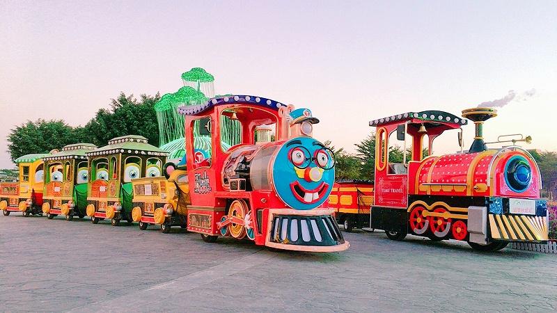 智乐游艺无轨小火车在园区